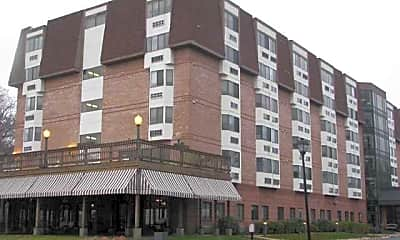 River Club Apartments, 1
