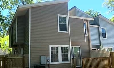 Building, 604 Pine Bend, 2