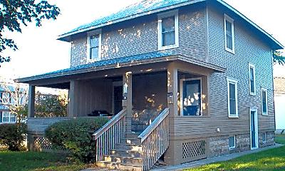 Building, 527 Wilson St, 2