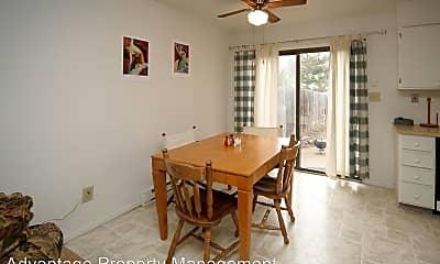 Dining Room, 3202 Sumac St, 1
