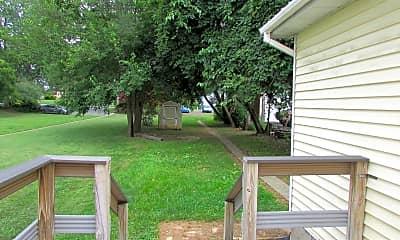 Patio / Deck, 340 E King St, 2