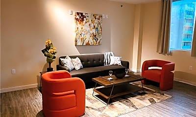 Living Room, 817 N Carancahua St, 1