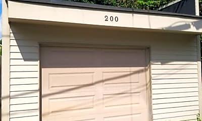 Building, 200 Steins St, 1