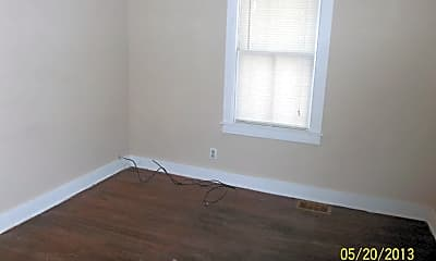 Bedroom, 801 W Calhoun St, 1