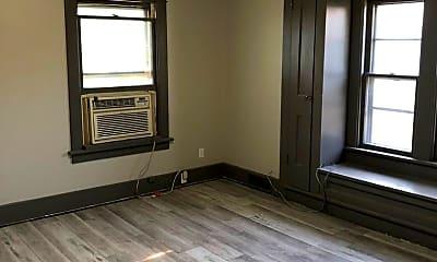 Living Room, 123 N 41st St, 1
