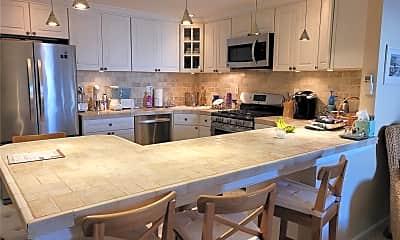 Kitchen, 79 Rochester Ave GARDEN, 1