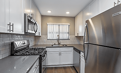 Kitchen, 2430 N Naomi St, 0