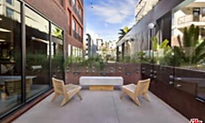 Patio / Deck, 6200 Hollywood Blvd 1438, 2