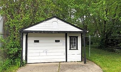 Building, 6811 Piedmont St, 2
