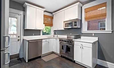 Kitchen, 7250 Lindell Blvd, 2