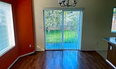 Living Room, 359 NE Oleary St, 1