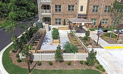 Courtyard, Hearthside Sugarloaf, 2