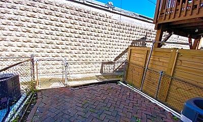 Patio / Deck, 416 Sanders St, 2