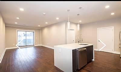 Living Room, 117 Spring Garden St, 2
