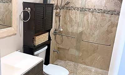 Bathroom, 1320 Humuula St, 2