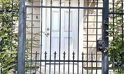 Patio / Deck, 3201 Carondelet St 101, 1