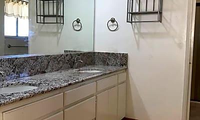 Kitchen, 5446 Royal Oaks Dr, 2