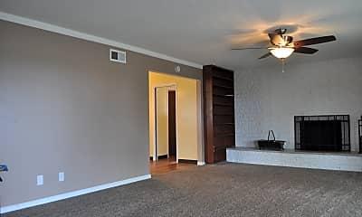 Living Room, 8767 Regency Road, 1