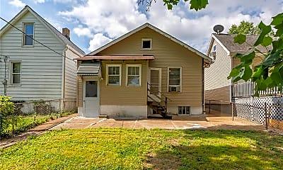 Building, 5811 Victoria Ave, 2