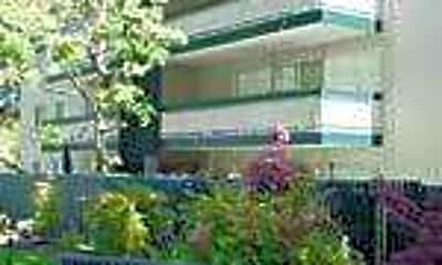 Wellesley Crescent, 0