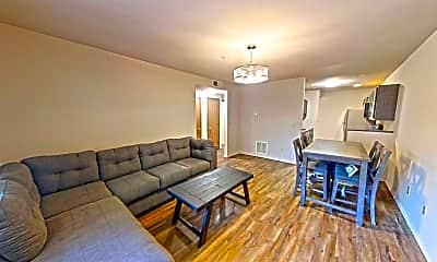 Living Room, 502 E Springfield Ave, 2