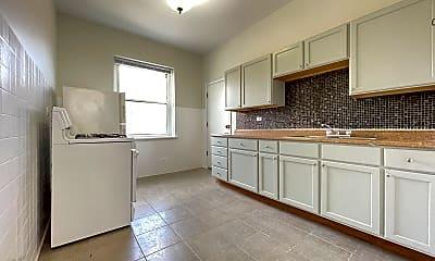 Kitchen, 1414 W Wilson Ave, 1