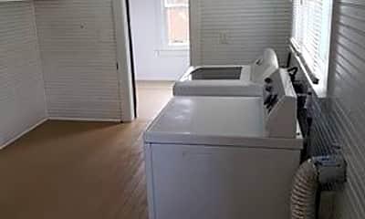 Bathroom, 561 NW Rhode Island Pl, 2