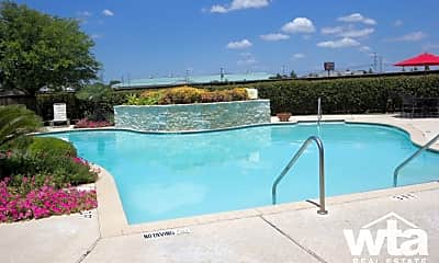 Pool, 705 Village Way, 2