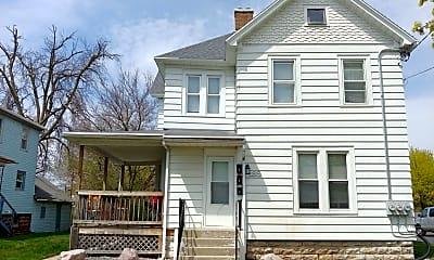 Building, 189 E Merrill Ave, 1