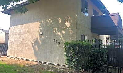 Silk Oak Apartments, 0