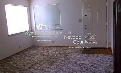 Living Room, 405 Marshall St, 2