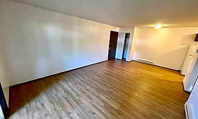 Living Room, 13335 SE Powell Blvd, 1