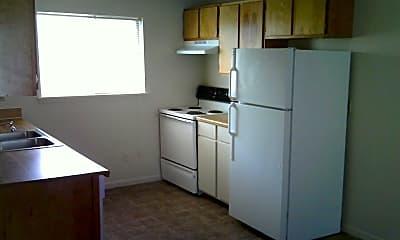 Kitchen, 402 1st St, 1