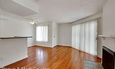 Living Room, 3685 Watseka Ave, 1