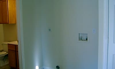 Bathroom, 305A Pecan St, 2