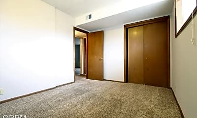 Bedroom, 4604 Cass St, 2