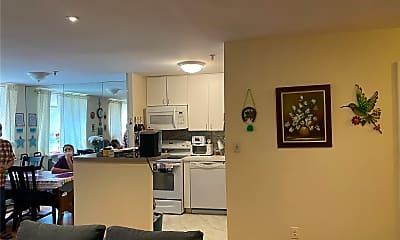 Living Room, 10 Canterbury Rd 1B, 1