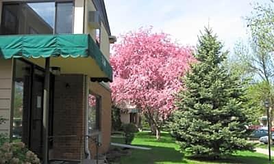 Oaks California Drive Apartments, 2