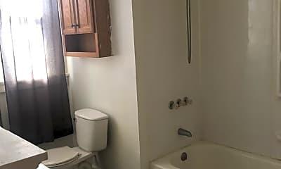 Bathroom, 55 Fremont St, 2