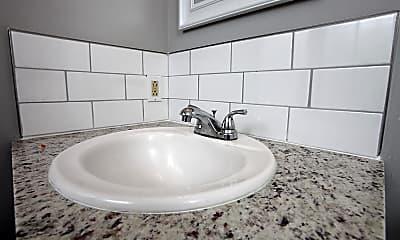 Bathroom, 1212 S Longfellow St, 2
