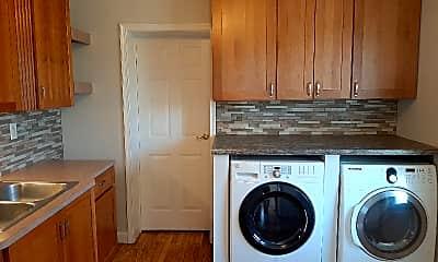 Kitchen, 1545 Cortland Ave, 1