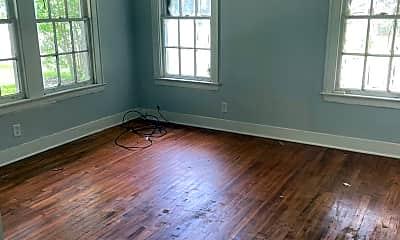 Living Room, 102 E Merrick St, 2