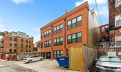 Building, 815 Park Ave, 2