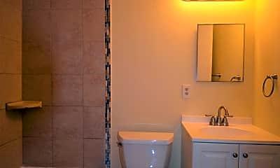 Bathroom, 2129 N Marvine St, 1