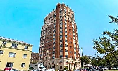 Building, 492 Staten Ave, 1