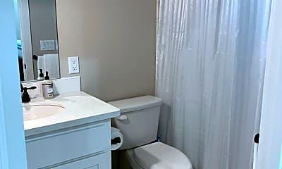 Bathroom, 1903 Magnolia Ave, 2
