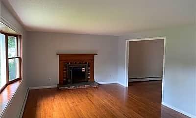Living Room, 30 Garnet Ln, 1