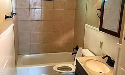 Bathroom, 1402 Knight, 1