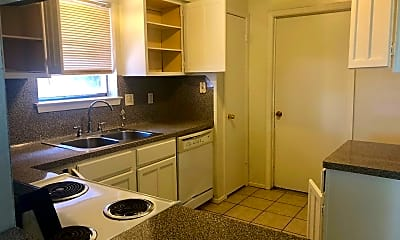 Kitchen, 2731 N Camden Pkwy, 1