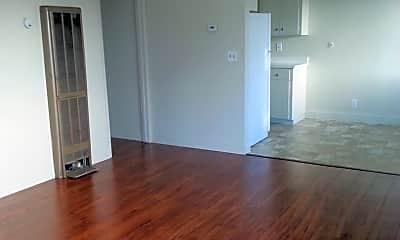 Living Room, 150 Locust St, 1